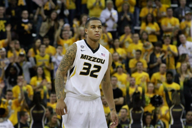 Jabari Brown receives an ovation from the crowd as he walked onto Norm Stewart floor at Mizzou Arena in his first game as a Tiger.