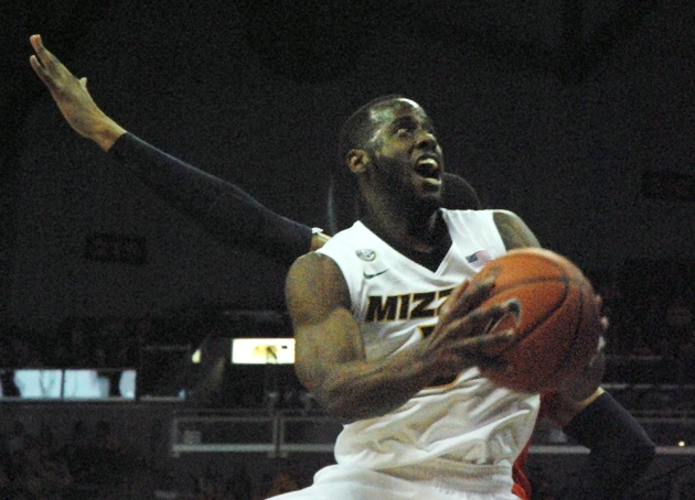Missouri guard Keion Bell drives to the basket for two of his 24 points. Bell shot 9-13 from the field on Saturday.